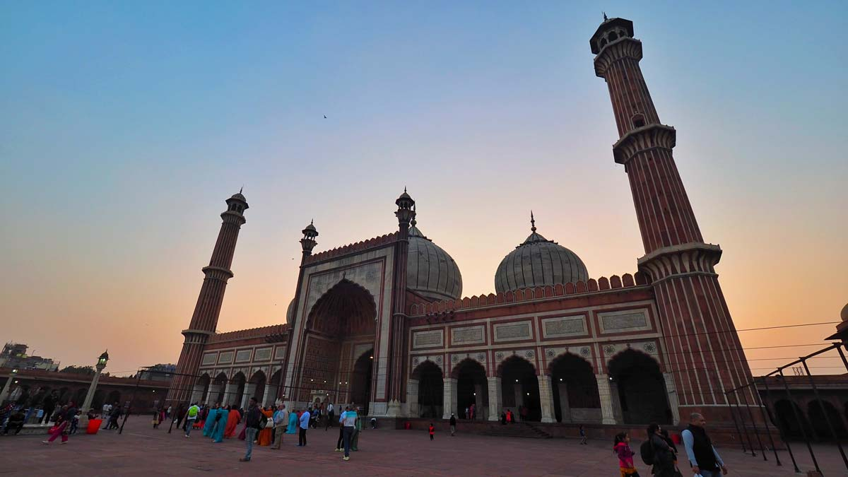 Hindistan`da Kadınlar Camiye Girebilecek mi?