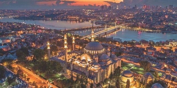 İstanbul`un Yedi Tepesi Ve Eserleri