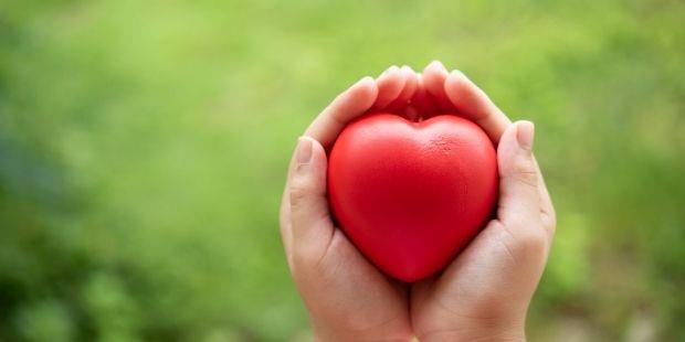 Sevgiyle Açılan Kollar Yorulmaz